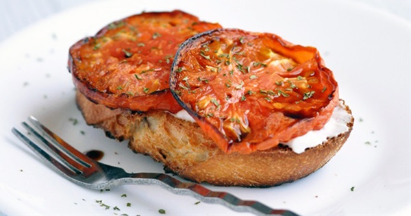 Whipped Cream Cheese and Roasted Tomato Crostini