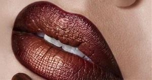 15 Marvellous Metallic Makeup Looks You Should Try
