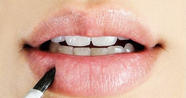 13 DIY Remedies For Chapped Lips