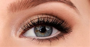 15 Easy & Gorgeous Makeup Looks For Beginners