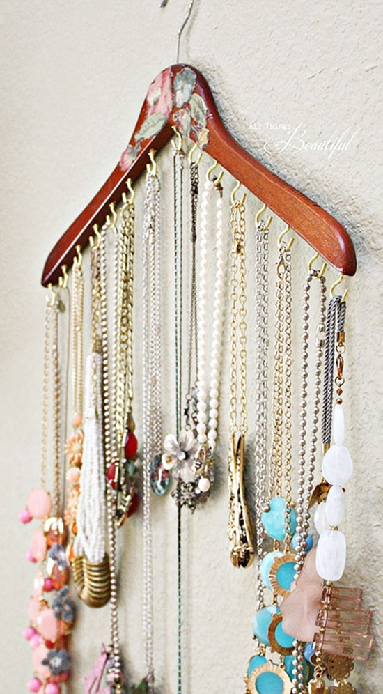 13 Awesome DIY Hacks To Organize Your Jewelry And Accessories