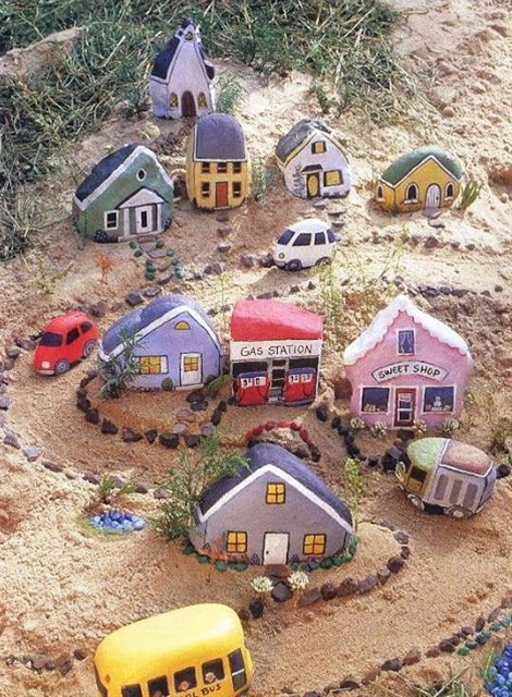 Painted Stone Village. Image source unknown. #DIY #Kids #Stone_Village