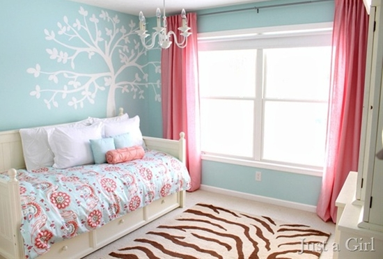 Adorable room for a little girl!!! Tree mural bedroom
