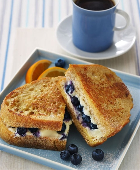 blueberry cream cheese grilled cheese....