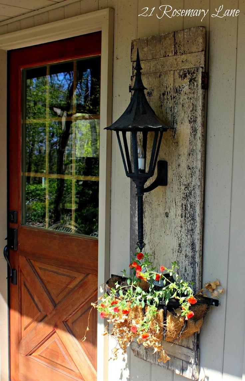love the planter hanging next to the door