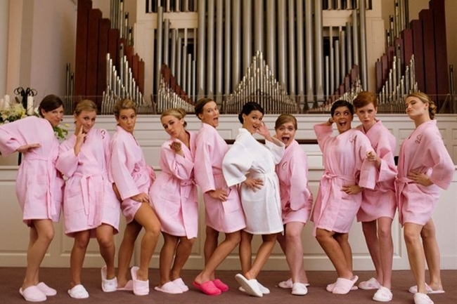 Wedding Photo Idea for your Bridal Party
