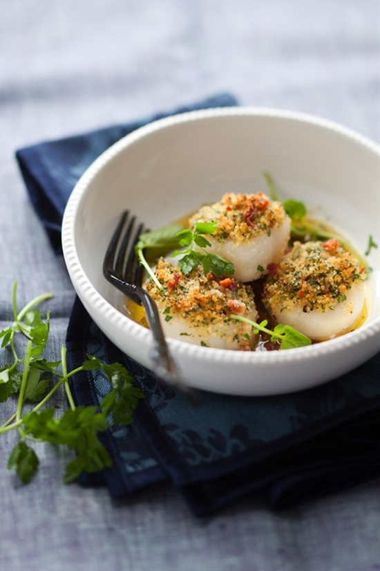 Roasted Scallops with Breadcrumbs and Bacon by cannellevanille #Scallops #cannellevanille