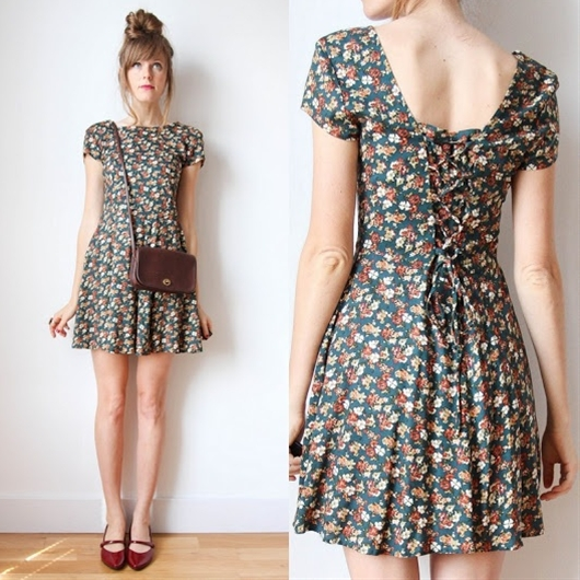 This could almost be a 90s grunge type dress <3 <3