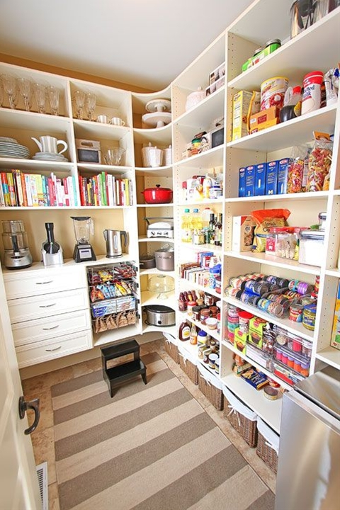 love the rounded shelving in the corner, pull out baskets, spot for appliances, drawers....