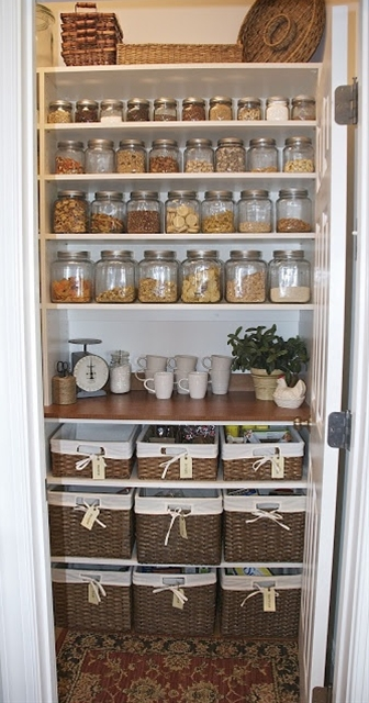 well organized pantry, what an amazing idea for decoration and organization