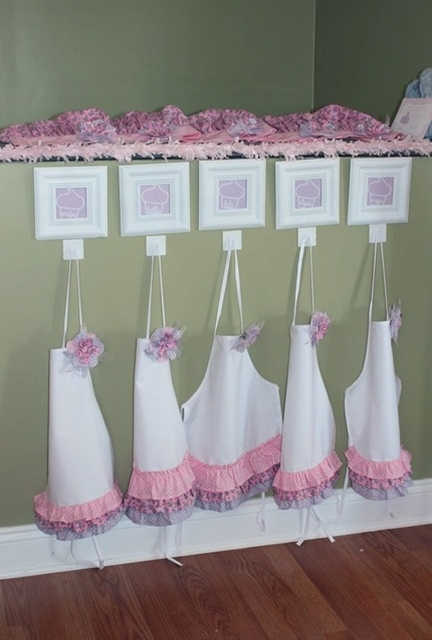 Cupcakes party aprons