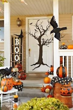 Though most of you already have your porch all decorated and festive for Halloween, there may still be some naked porches out there. If you find your porch lacking in Halloween decor, maybe this Halloween porch idea will inspire you.