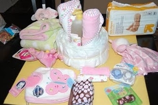 How-to: make one of those diaper cakes - I always wondered!!