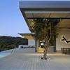 Greek Island House Design Framing Beautiful Sea Views: Notre Ntam' Home