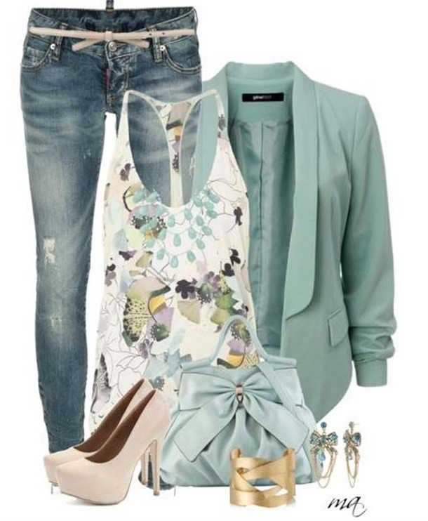 I LOVE this outfit! The top is sooo pretty and I love that green color!