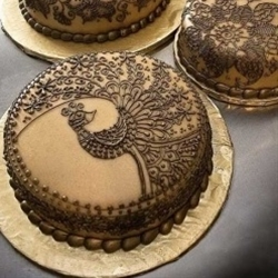 love the design with the ganache! would love to do this! pastry-chef-n
