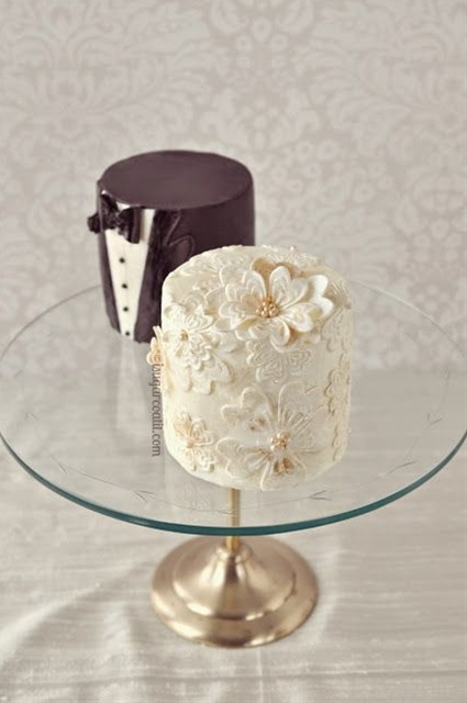 Bride & Groom Mini Cakes ~ we ❤ this!  moncheribridals.com ~  #weddingdesserts #minidesserts