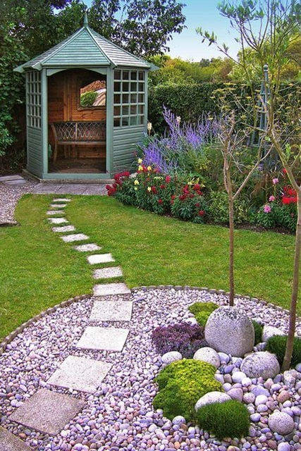 Check out this backyard landscaping idea