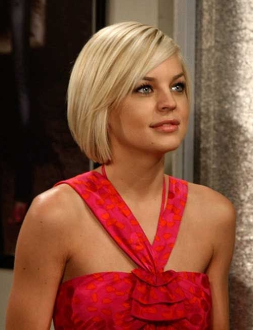 Short blonde straight hairstyles for women