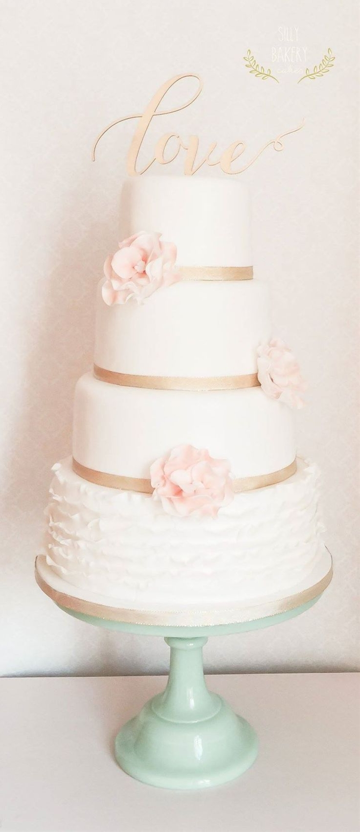 This wedding cake stands out with unique features and colors that make them perfectly divine and romantic