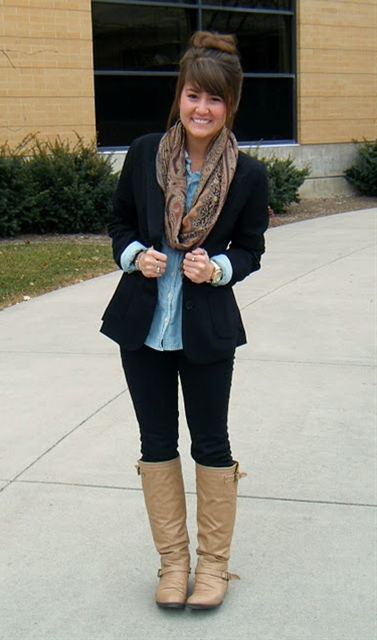Black blazer, chambray, black skinnies, brown scarf & brown boots.