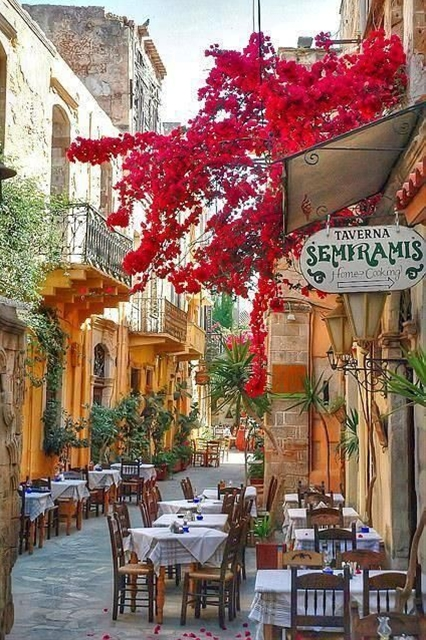 I wanna go here and have coffee with my friends:)