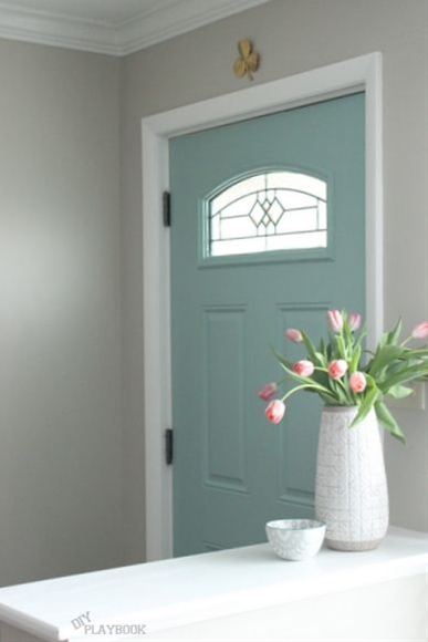 Who says you can't paint the inside of your front door too? Love this teal color! | DIY Playbook