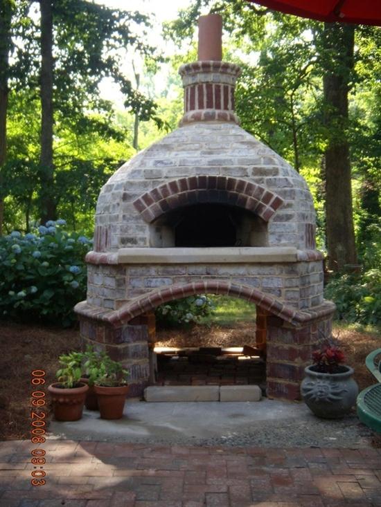 Outdoor brick pizza oven!