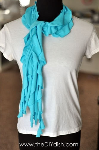 DIY tshirt scarfs...must do!
