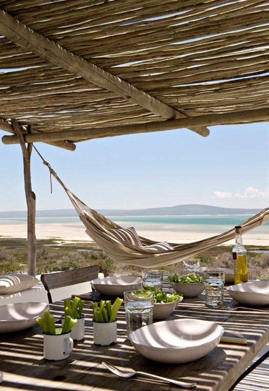 This beach house in South Africa is a destination must for us