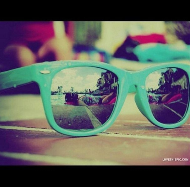 Blue Sunglasses Picture, an idea to use a perfect reflection