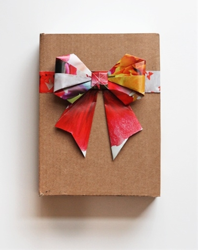 Paper Bows! I just made one. So easy!