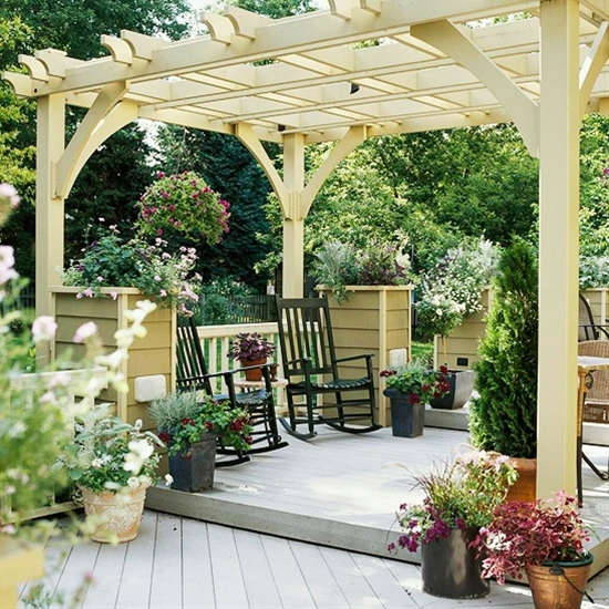 Deck with pergola & great rockers