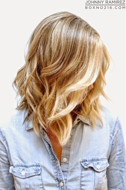 Layered hair styles can also be a cool choice for girls looking to make their thicker locks lighter. In addition, the layered hairstyles are quite versatile, and they can create it differently at your will. The hairstyle can enable a person to wear a chic as well as casual and charming look.