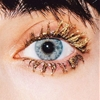 With this cult gold eyeliner Via Glittagangsta; Studded Hearts