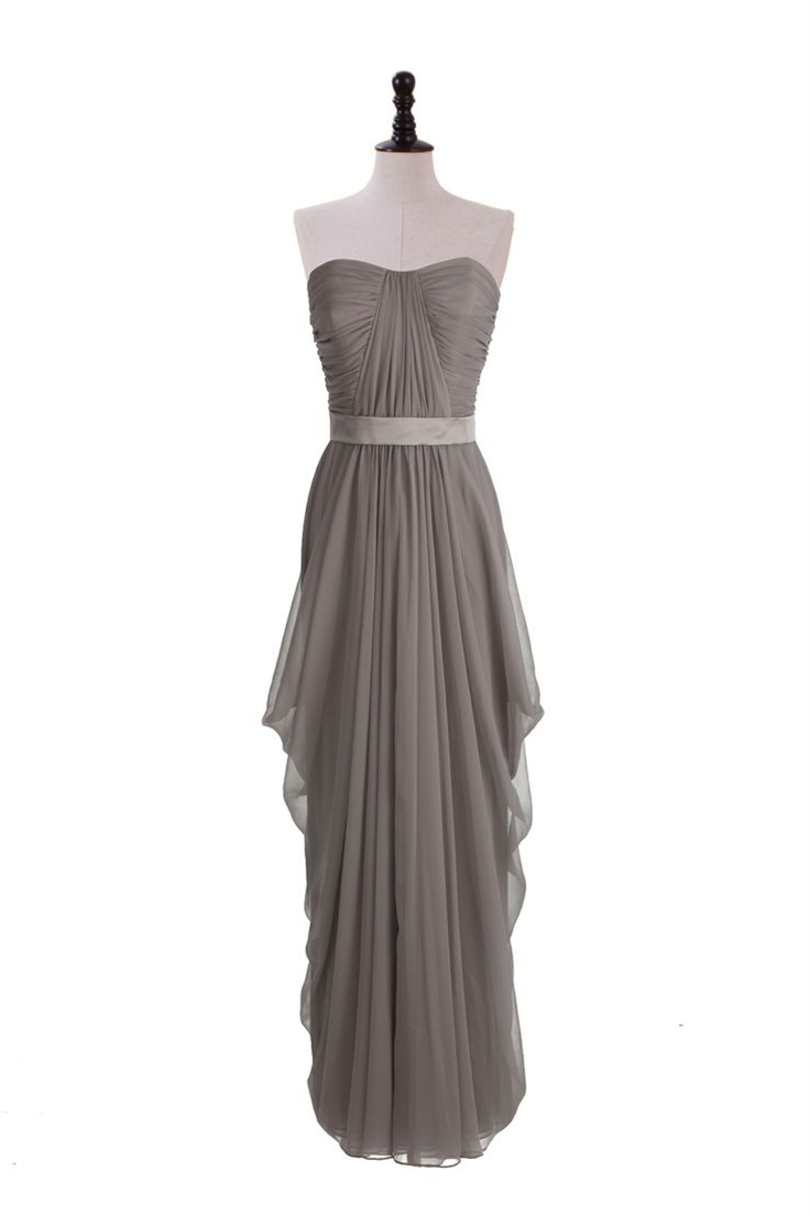 Be a romantic and fashionista in one with this crinkle chiffon gown with shirred bodice and exquisitely draped skirt.