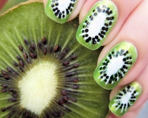 We all love kiwi, we all love doing our nails, but how do we combine the two? There is a simple answer-kiwi nails. This is an easy technique, so easy, a beginner can use it. So go on and paint your fingernails!