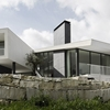 Remarkable Design Shaping Modern House in Portugal