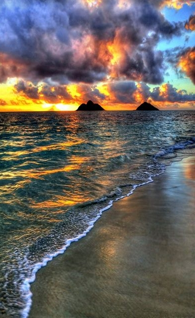 Sunrise at Lanikai Beach - Oahu, Hawaii-