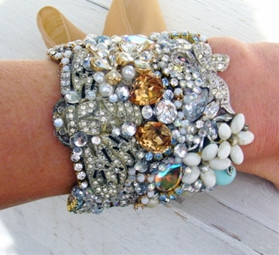 An excellent way to re-use all those broken bits of costume jewelry I have accumulated.