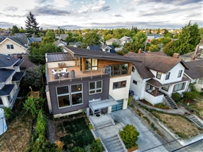 Contemporary Split-Level House With Views of Downtown Seattle and Mt. Rainier