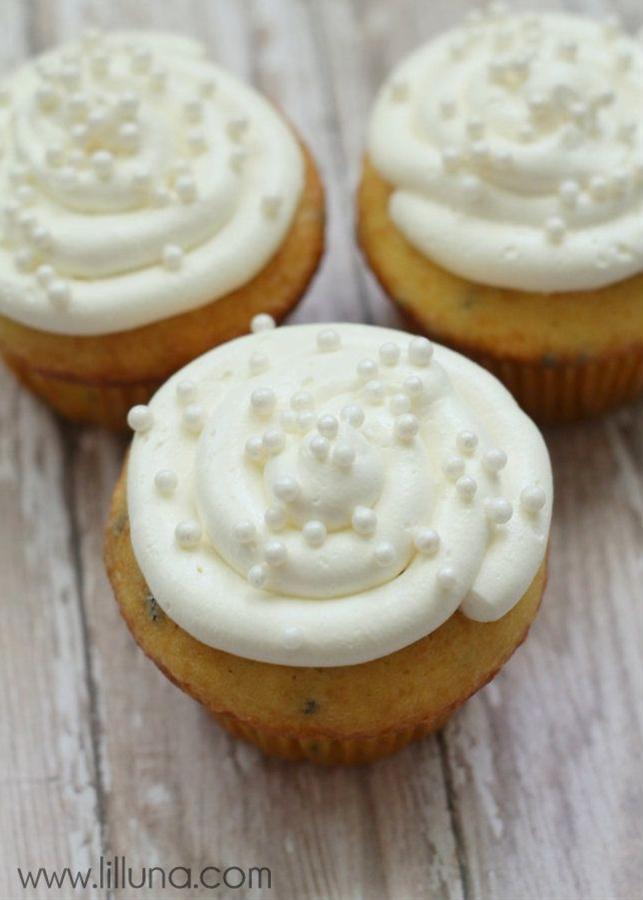 Ingredients:  1/2 cup butter {room temperature},  1 7 oz. jar Marshmallow Fluff,  1 cup powdered sugar,  1 tsp. vanilla.