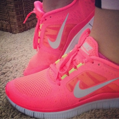 344d2ad2ec79 Nike Free TR Fit 2 Womens Training Shoes Black Pink Flash Dark Grey