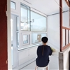 Archicao's tiny Humble Hostel expands and contracts with a rolling facade