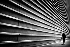 Towering wall by Junichi Hakoyama  (junichihakoyama.tumblr.com)