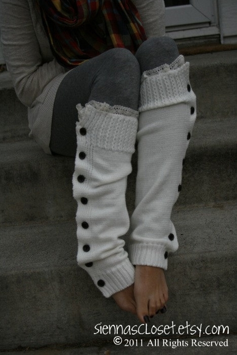 want these leg warmers, love the detail.
