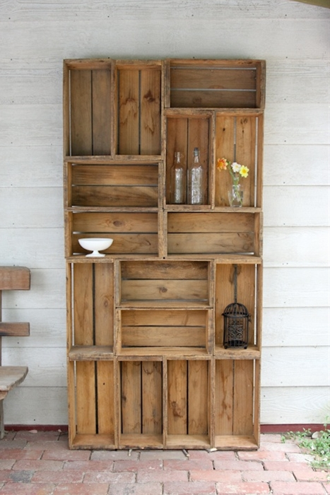 Funky bookshelf made out of antique apple crates... what a cool idea!