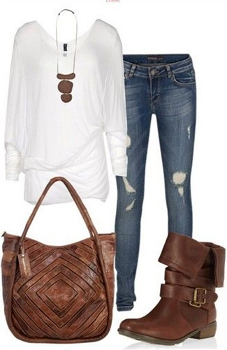 Loose White Knit Top, Jeans and Vintage Brown Boots