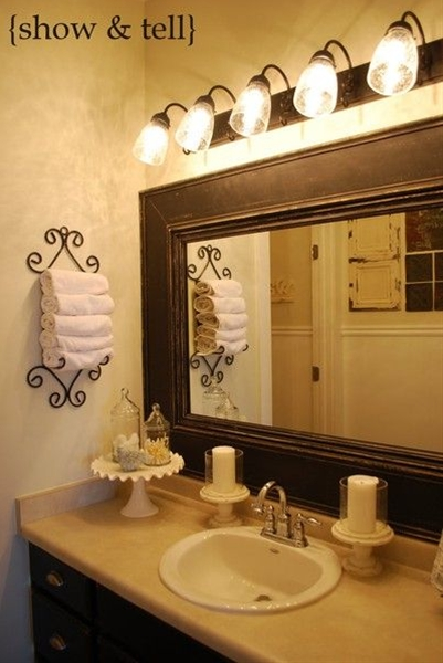Your bathrooms need not undergo major renovations. A dull and colorless bathroom can transform into a fresh, relaxing and stylish one just by using the right colors.