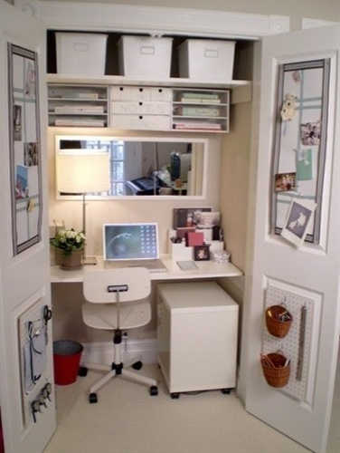 Love this closet craft area